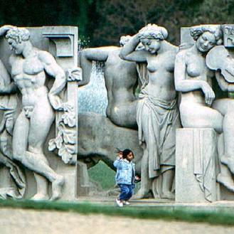 011_aux-pieds-de-la-statue