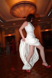037_bride_legs