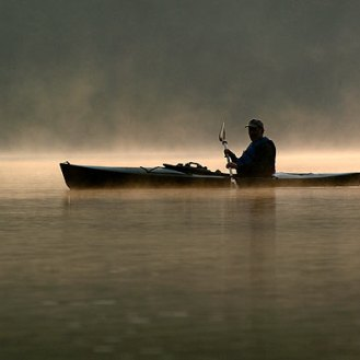 059_canoe_in_the_fog