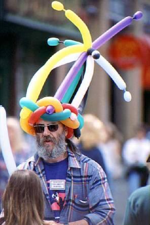 063_balloon-hat-man
