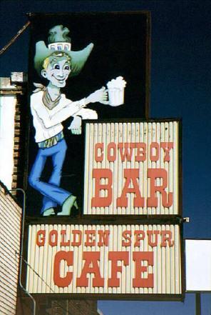 066_cowboy-bar