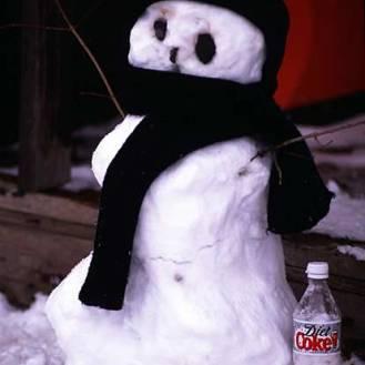 069_diet-coke-snowman