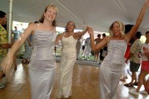 084_dancing