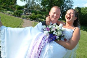 098_carrying_bride
