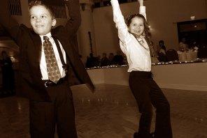 128_j&b_kids_dancing
