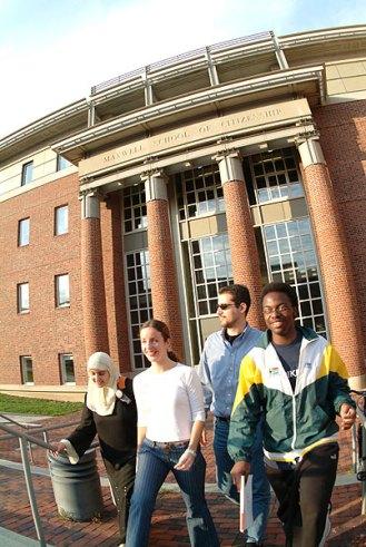 009_walking_campus