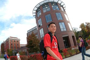 015_walking_campus