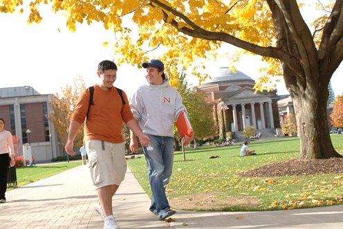 017_walking_campus