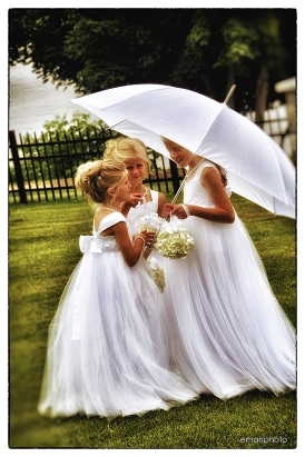 DSC_7974_3 Flowergirls_Umbrella_1080