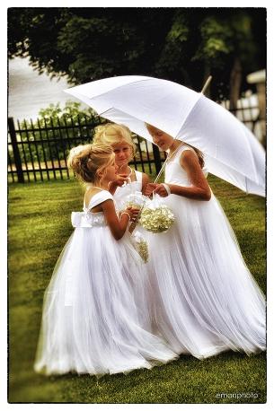 DSC_7974_3 Flowergirls_Umbrella_1080