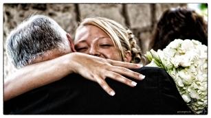 B-J&E014_A_Bride's Hug_BB